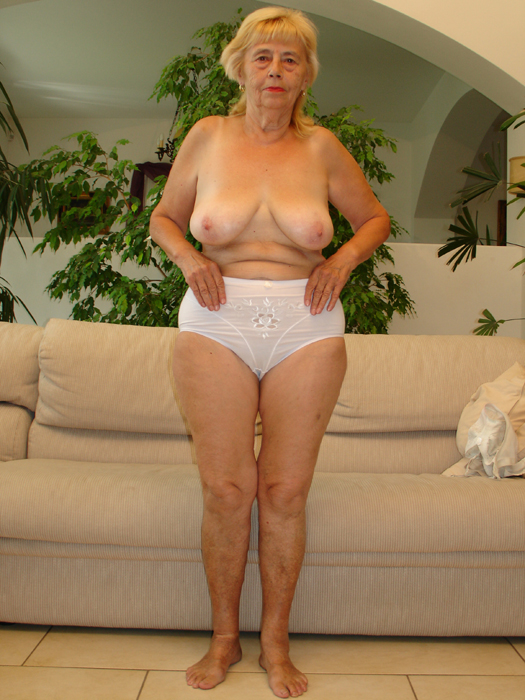 fucking-legs-of-mature-women-thick-white-naked-ladies