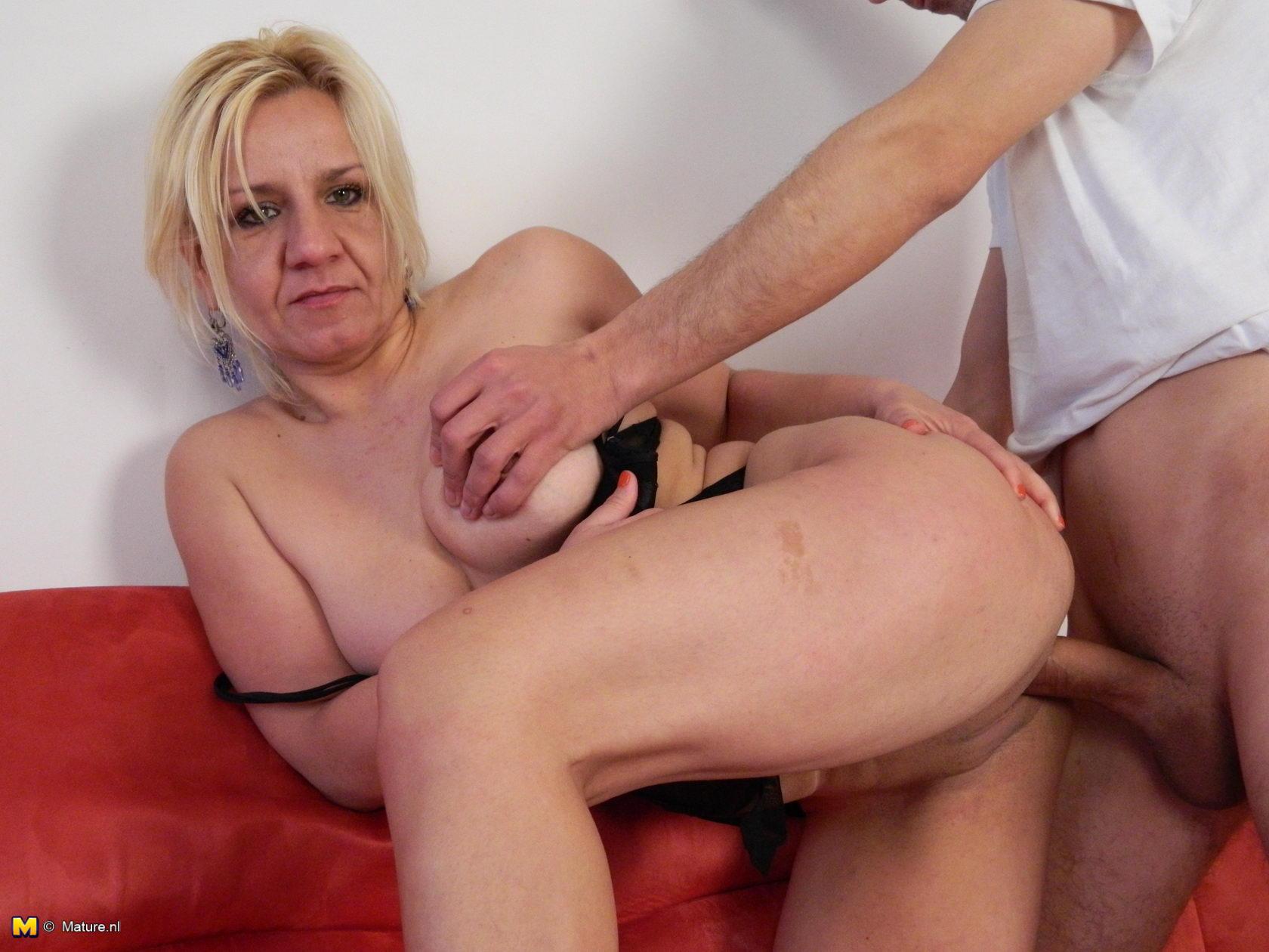 nude fatty wife slim husband pic