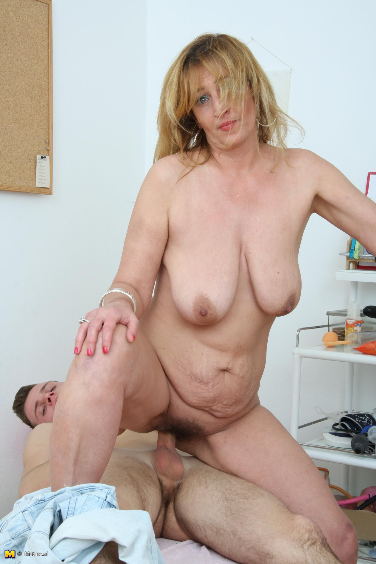 mature - category. - guaranteed hookup!